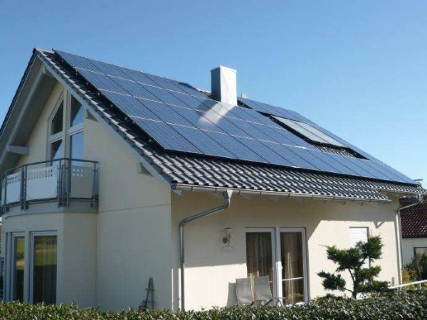 屋顶越大,赚钱越多赶紧建立一座光伏电站帮你省钱吧!
