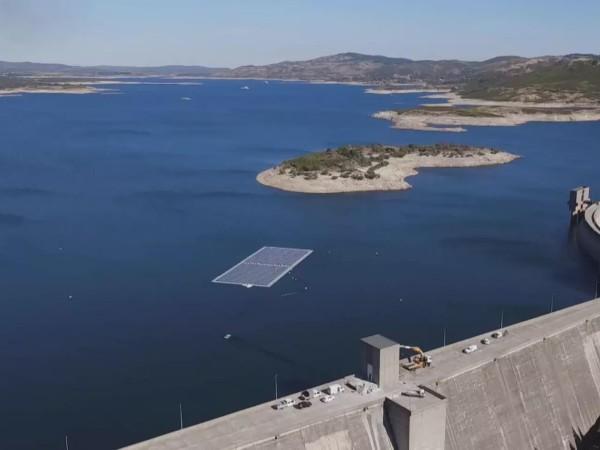 新的研究揭示了水电大坝顶部浮动太阳能光伏板的能力