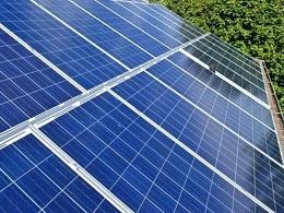 如何清洗太阳能板户用光伏电站——星火太阳能