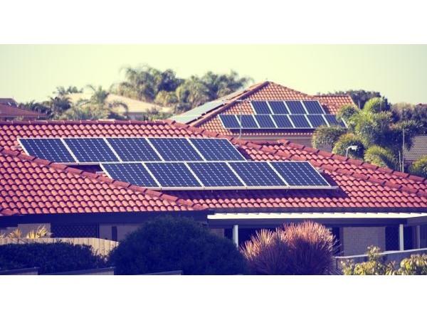 利好太阳能光伏!清洁能源写入国务院三则最高行动纲领!