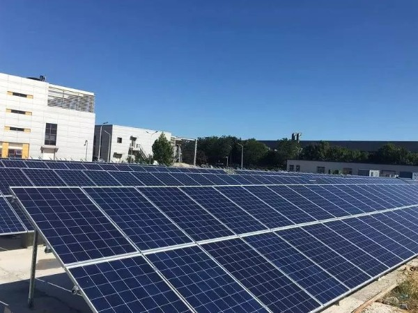 光伏发电、雨水回收 看济南这所中学如何打造低碳校园
