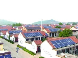 村民靠太阳能光伏发电致富,四五年就回本!
