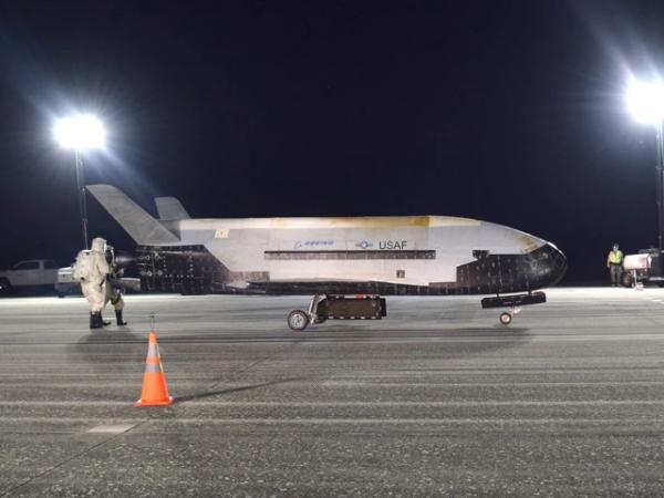 美军X37B结构曝光,大型太阳能板内置,暴露隐藏能力—星火太阳能