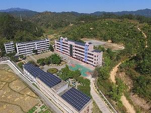 学校也在安装的光伏电站